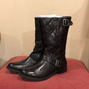 Brand new!!!! Steve Madden, quilted, low boot